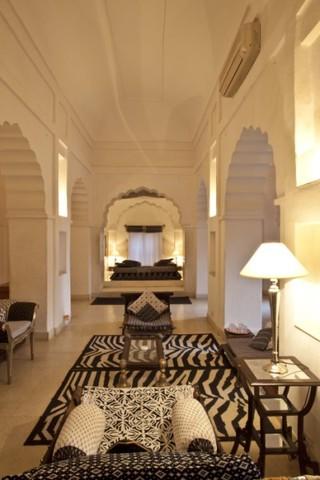 Neemrana Fort Palace Hotel Rooms Rates Photos Deals