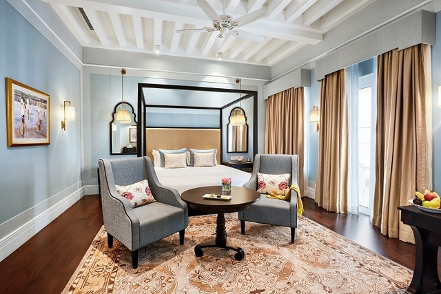 Colonial_Room_2