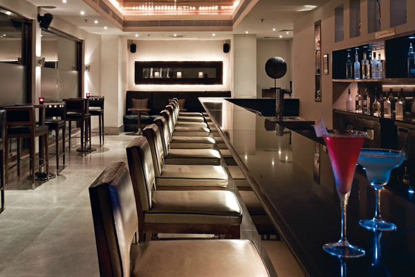 Vivanta By Taj Connemara Chennai Use Coupon Code Hotels Get 10 Off