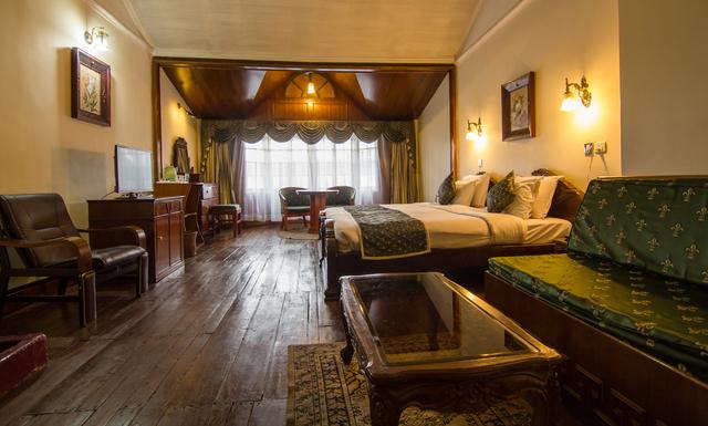 Clubroom2