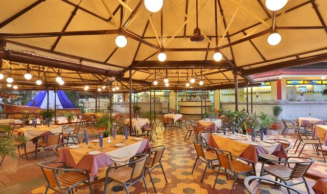 Quarterdeck-Restaurant-3
