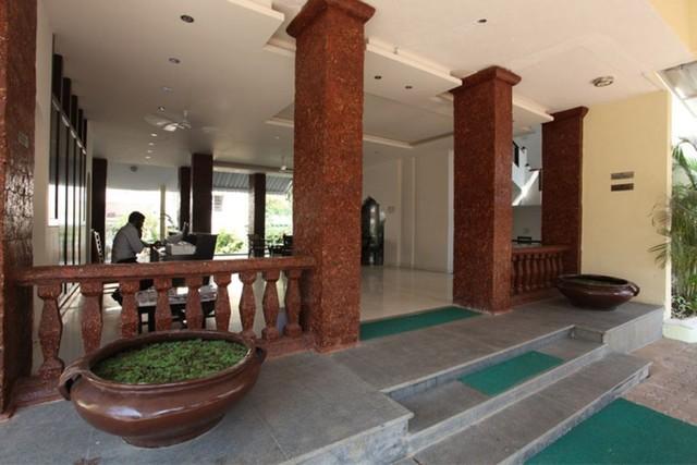 Front_Office01__Goa_-Club_Estadia_-_201208