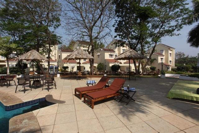 Swimming_Pool03__Goa_-_Club_Estadia_-_201208