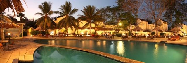 Swmming_Pool01__Goa_-_Club_Estadia_-_201208