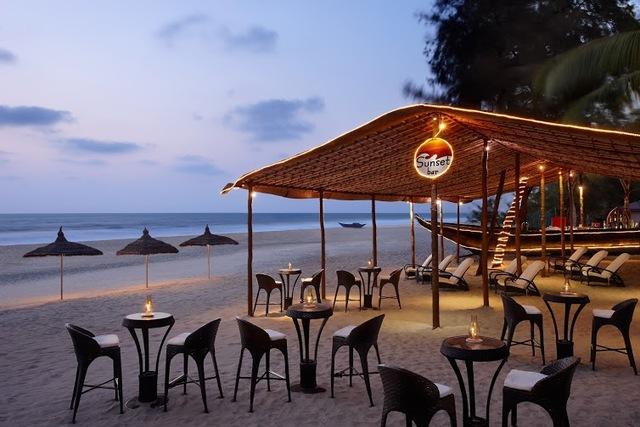 27_-_Sunset_Bar