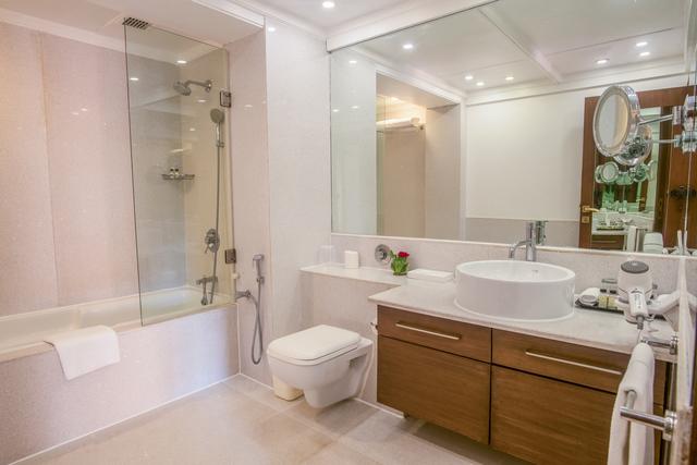 Familly_Villa_Bathroom