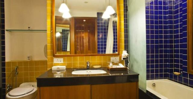 Classic_Room_Washroom_2_room