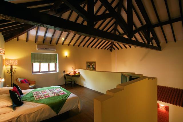 6.13.02.15_Heritage_suite__bedroom