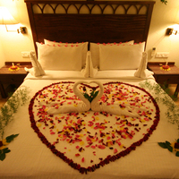 Sup_Dlx_Honeymoon_decor