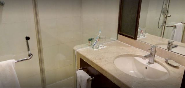 Bathroom_Picture_(Superiror_Room)