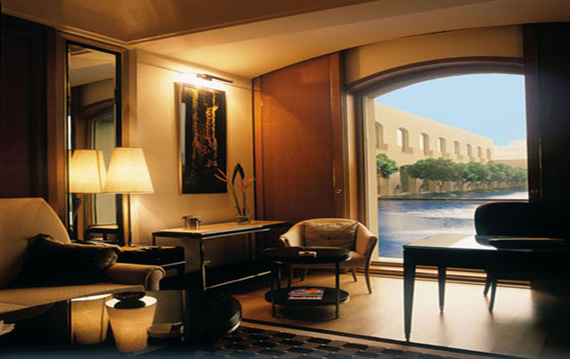 Executive_Suite__Pool_View