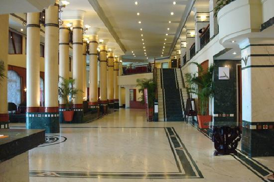 Sayaji Hotel Indore Room Rates Reviews Amp Deals