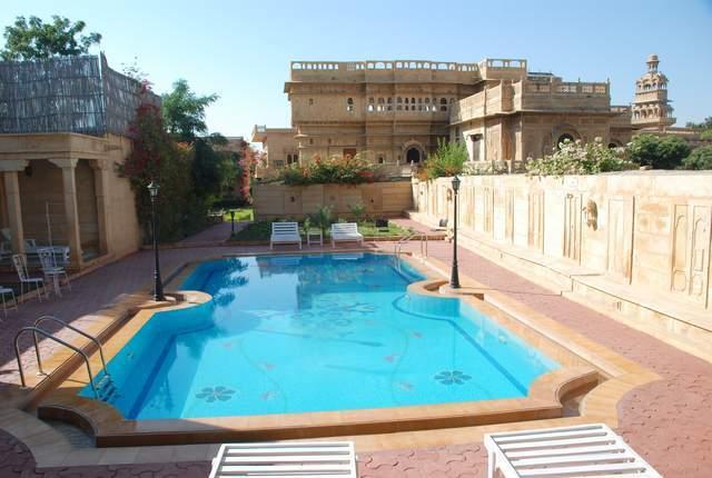 Swimming_Pool_2_(2)