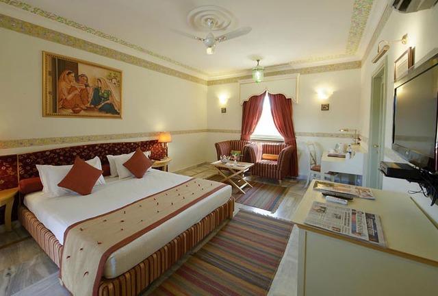 Udaipur Hotels 3 Star Fort Rajwada, Jaisalme...