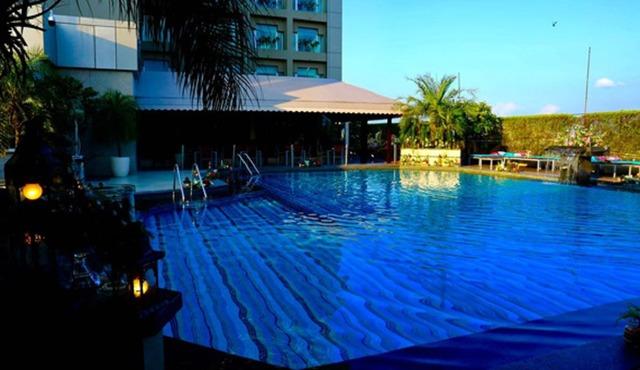 swimmingpool_1565241312919