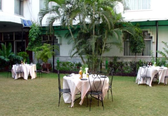 Open_garden_restaurant