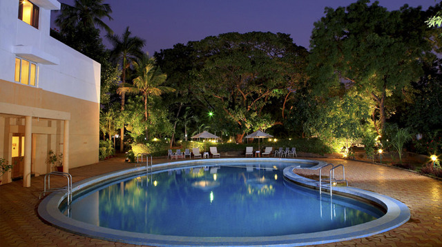 Sangam_Hotel_Madurai_–_Swimming_Pool