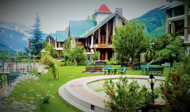 HIGHLAND_PARK_RESORT_(1)