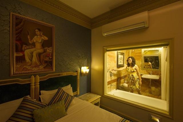 Super_Dlx_Room2