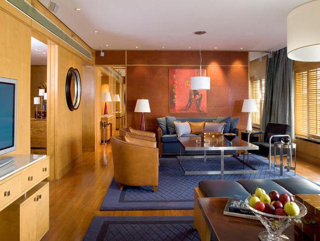 President_Suite_Living_Room