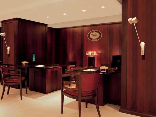 Taj-Club-Reception