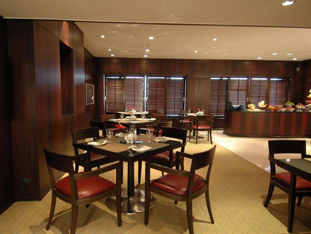 Taj_Club_Lounge_Dininge