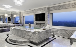 38892887-L1-Tata_Suite-Bathroom_2