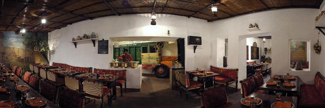 Dhaba_-_Indian_Restaurant_2