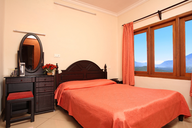 Hotel Lake View Ooty Room Rates Reviews Amp Deals