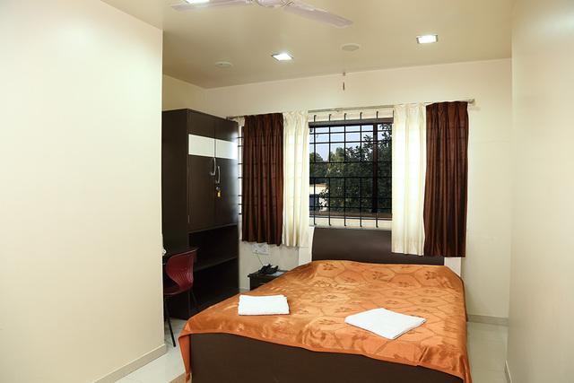 Hotel_Shreyas_Standard_Room_Non_AC