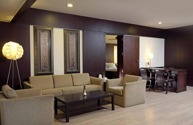 GRAND_SUITE_ROOM-HALL