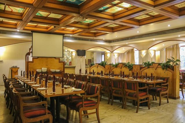 Royal_Symphony_Restaurant_(2)