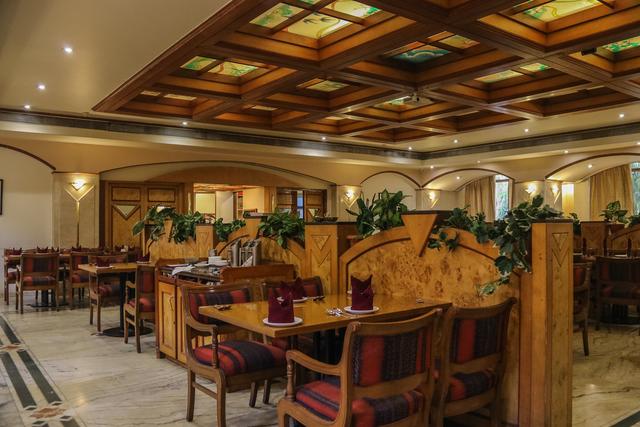 Royal_Symphony_Restaurant_(3)