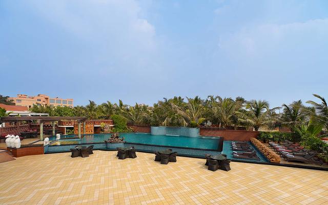 Swimming-Pool-Deck-Mayfair-Heritage
