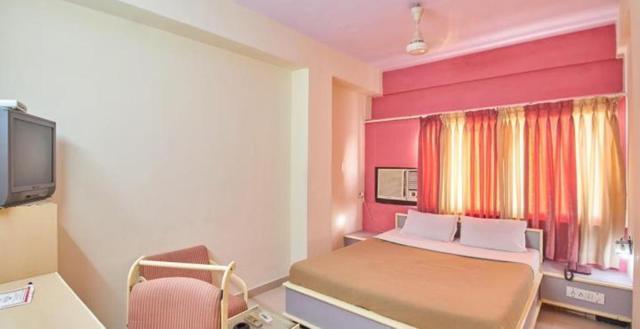 hotel-aditya-rajkot-201302061141135833_room_1_standard_ac_1-75166026304fs