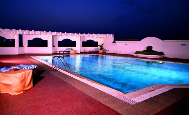 Swimming_Pool_Modi_2