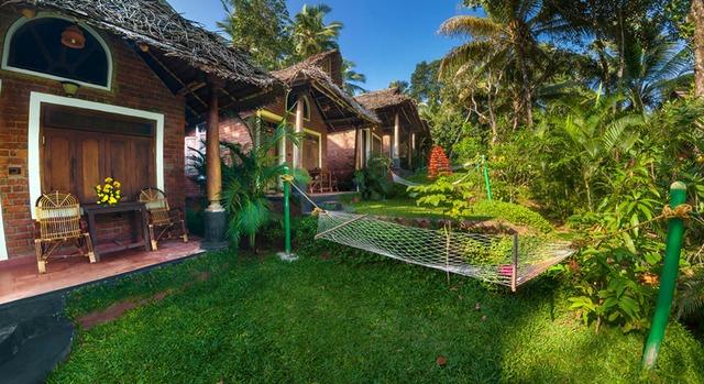 Garden_cottage_outside2