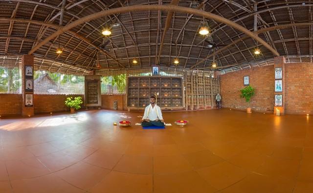Yoga_hall_Manaltheeram