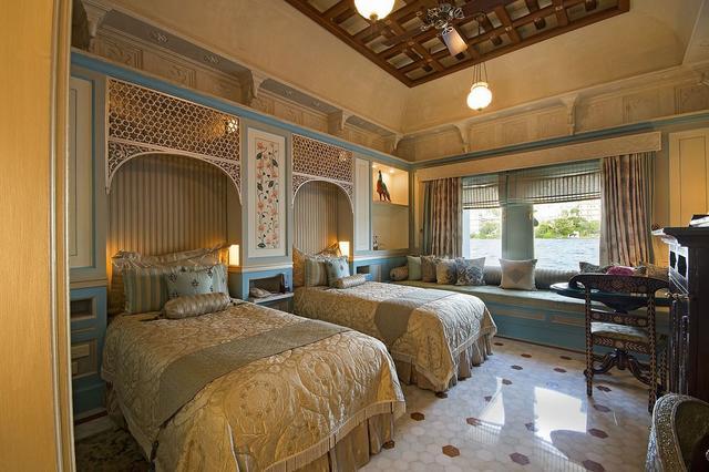 Udaipur Lake Palace Hotel Rates