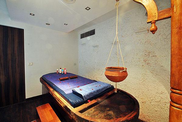 Hotel_Hindusthan_Internationa_spa_(2)