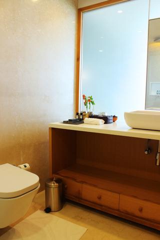 Luxery_Premium_king_bathroom_2