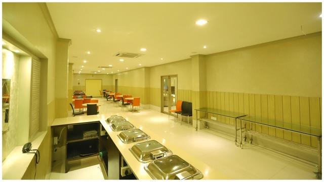 Indoor_restarunt_(2)