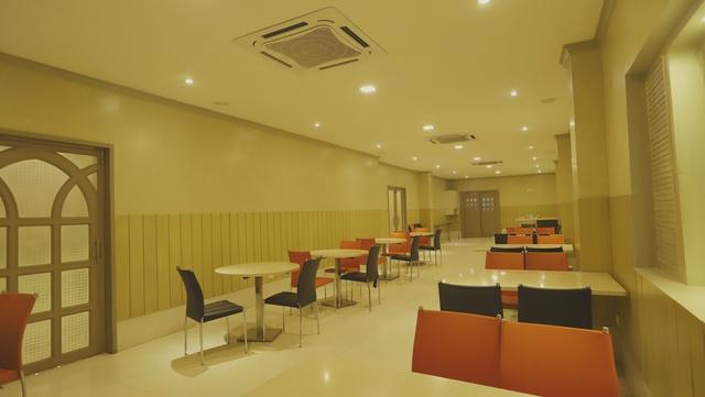 Indoor_restarunt_(3)