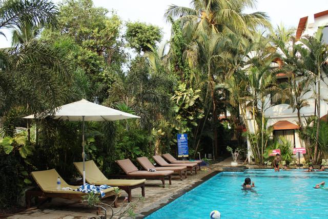 Swimming_Pool_(2)