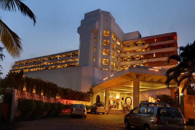 Bogmallo Beach Resort, Goa. Room rates, Reviews & DEALS