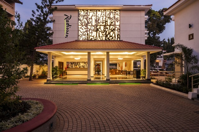 Radisson Goa Candolim, Goa. Room rates, Reviews & DEALS
