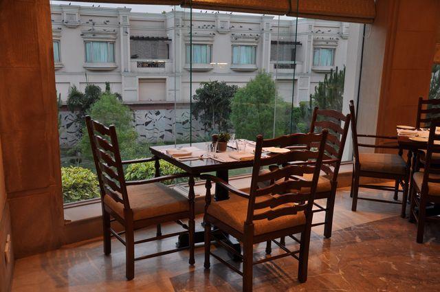 11_Restaurant1