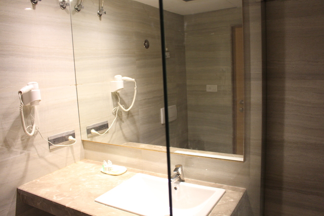 Luxury_Bathroom
