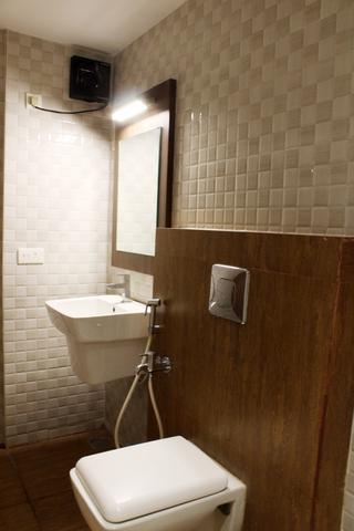 Cottage_Deluxe_Bathroom_(1)