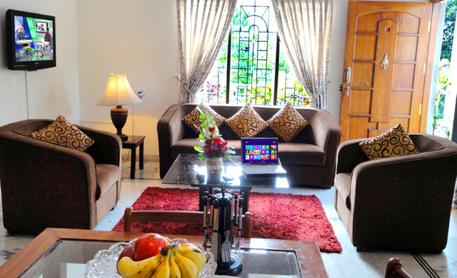 2_BHK_Luxury_Service_Apartment.image-2